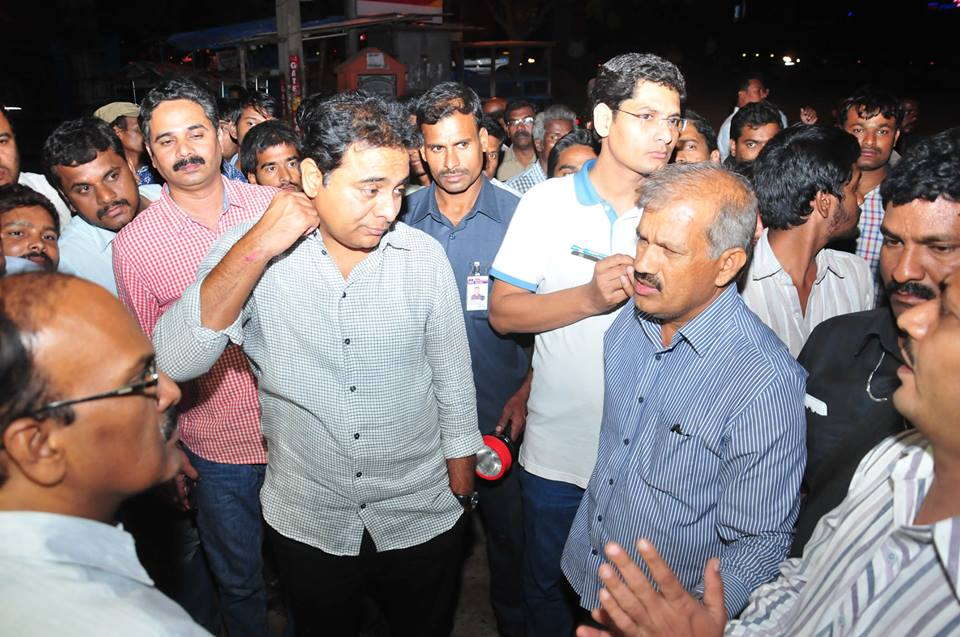 TS Minister KT Rama Rao Surprise Inspection Of Roads And Other Civic Amenities In Hyderabad  On 13-7- 2016 Midnight